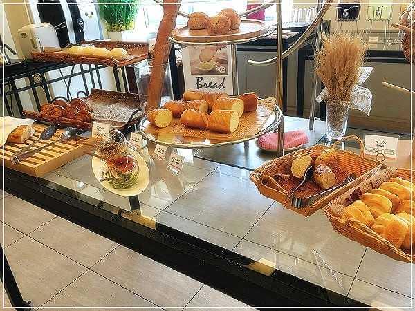 たくさんの種類のパン