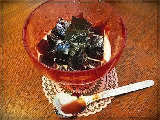 超簡単なコーヒーゼリーの作り方。練乳ミルクで子どもも美味しく食べれます