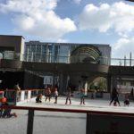 駅直結スケートリンク「アゴーラ・リージェンシー堺」でスケート遊び