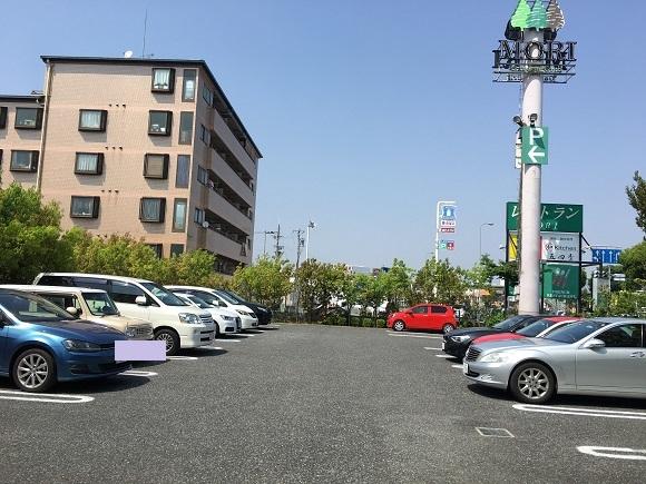 フレンチMORIの駐車場