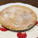 皮まで食べるリンゴのお菓子『りんごのキャラメルタルト』