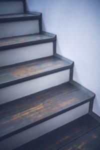 毎日出来る!面倒な階段掃除を簡単に。楽チンお掃除の方法